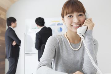 ビジネスフォンの外線電話にかかわる便利機能紹介